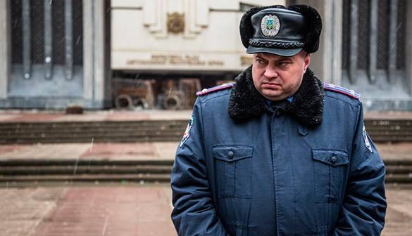 Украинцы украли меч у Александра Невского. украинский милиционер