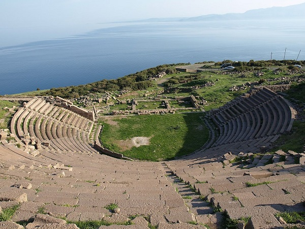 На какие курорты ездили древние римляне?. Древний город Ассос