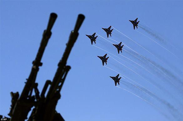российские истребители в небе
