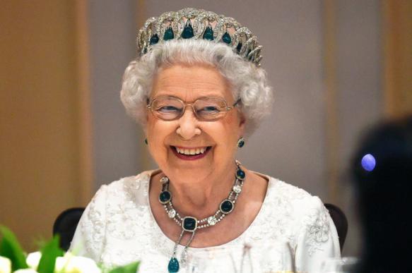 Елизавета II решила не водить машину на дорогах общего пользования. 401954.jpeg
