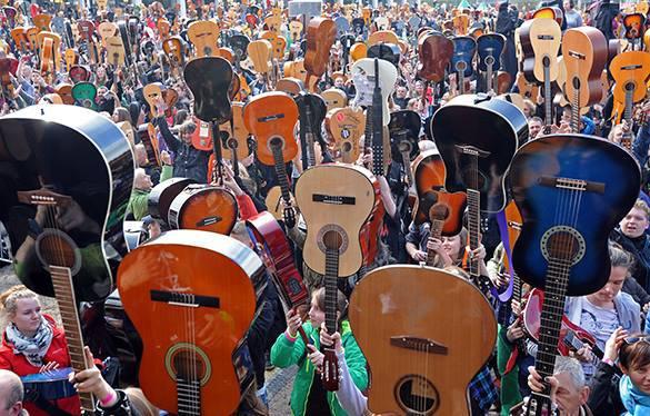 В Польше прошел фестиваль гитаристов Thanks Jimi. Гиатристы в Польше благодарят Хендрикса