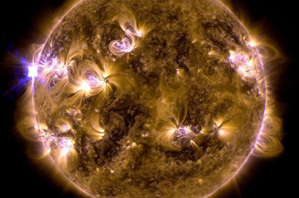 Дыра на Солнце вызвала магнитную супербурю