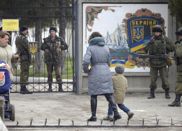Парализованное более суток железнодорожное сообщение на Сахалине