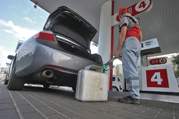 Цена на бензин поднимется до 60 рублей. 387960.jpeg