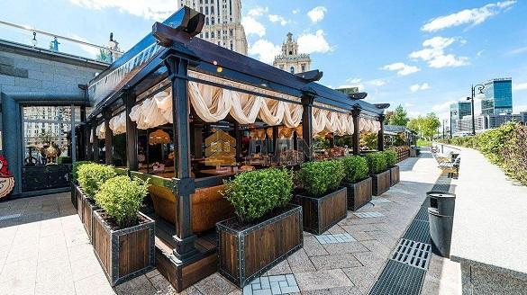 Рестораторы Москвы откроют более 3 тысяч летних кафе. 400960.jpeg