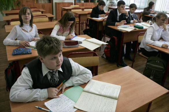 В Москве школьников отпускают в туалет по справкам от врача. В Москве школьников отпускают в туалет по справкам от врача