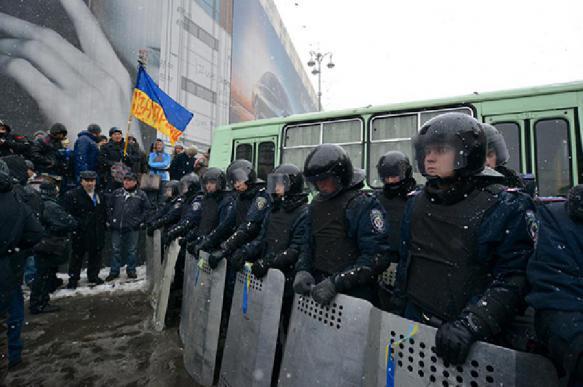 Снова: радикалы в центре Киева устроили стычку с полицией. 391962.jpeg