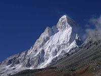 На Эльбрусе терпят бедствие российские альпинисты