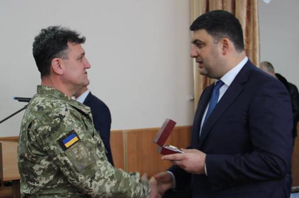 Украинский премьер благодарит СБУ за поимку своего помощника-шпиона. Украинский премьер благодарит СБУ за поимку своего помощника-шпи