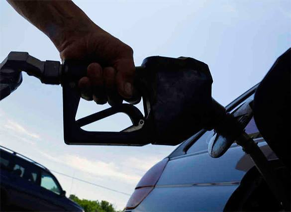 Четыре ведущие нефтекомпании  заподозрили в махинации с ценами на бензин.. 302966.jpeg