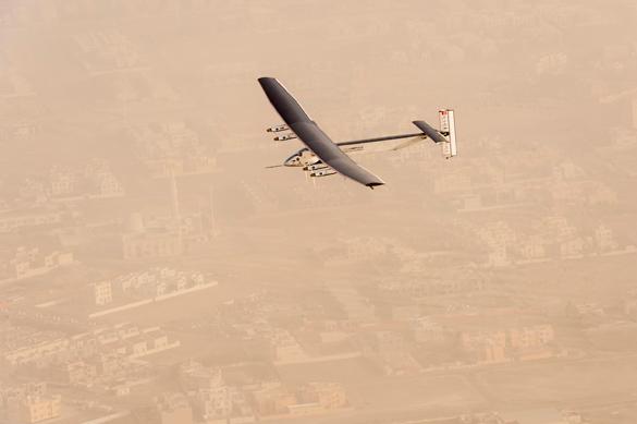 Самолет Solar Impulse 2  отправился в кругосветный полет. Самолет Solar Impulse 2 отправился в кругосветный полет