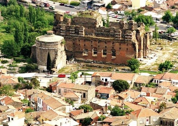 На какие курорты ездили древние римляне?. Пергамская церковь