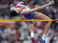 Российские легкоатлеты завоевали еще две медали