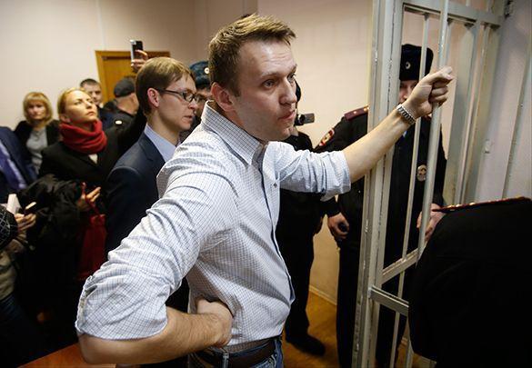 Навального обвинили внезаконном получении денег отХодорковского