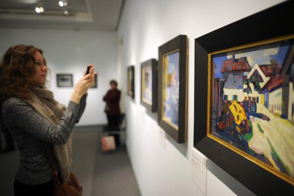 Интерпол разыскивает картины, переданные крымскому музею в дар. Интерпол разыскивает картины, переданные крфымскому музею в дар