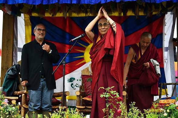 Далай-лама рассказал, как России стать ведущей нацией мира. Далай-лама рассказал, как России стать ведущей нацией мира