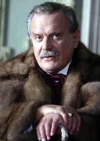 Михалков предложил Волочковой и Заворотнюк уйти в монастырь