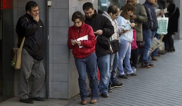 Для увольняемых и безработных правительство выделит около 700 млн. рублей. 320976.jpeg