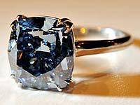 Редчайший голубой бриллиант куплен неизвестным