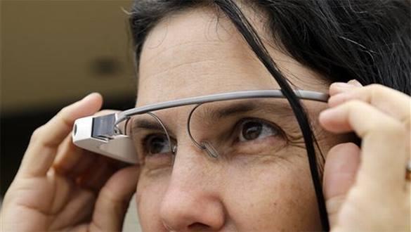 Ученые: Смарт-очки мешают водить машину и ходить. 302977.jpeg