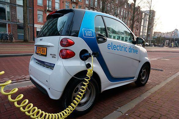 Медведев: Производители электромобилей получат 900 млн руб. субсидий