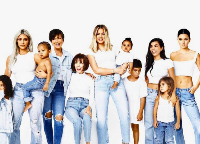 Торги на бирже в Токио начались разнонаправленно