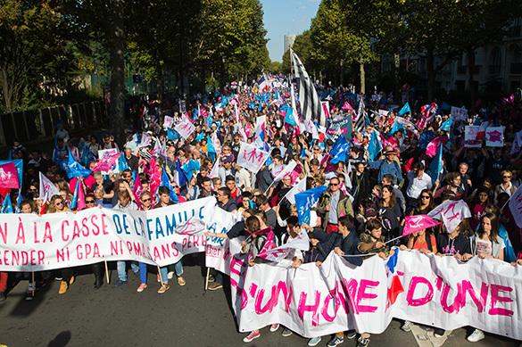 Французы массово протестуют против однополых браков