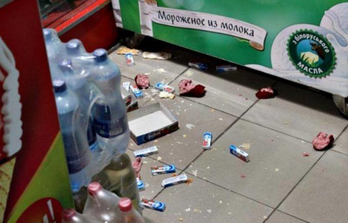 Цирковые еноты разгромили магазин на Украине. 376981.jpeg