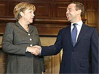 Главы РФ и Германии обсудят строительство газопровода