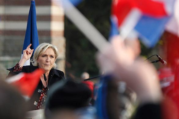 Ле Пен вернулась в Национальный фронт
