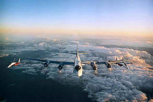 Истребители ВВС США сопровождали наши ракетоносцы— Минобороны Российской Федерации
