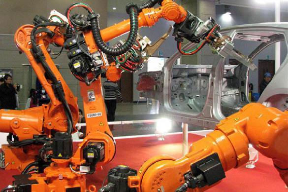 Ученые рассказали, в какому году роботы повсеместно заменят людей