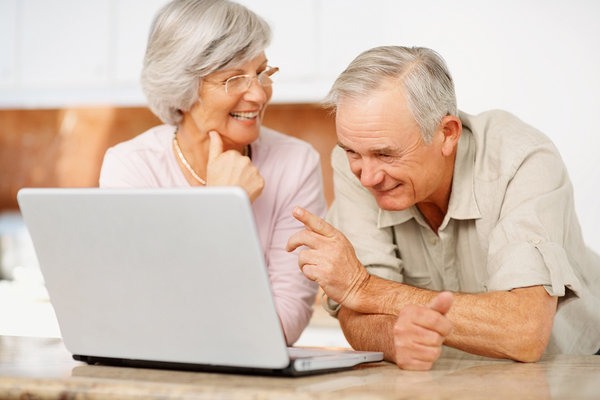 Компьютеры спасут стариков от депрессии. пенсионеры и компьютер