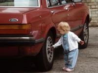 В Британии двухлетняя девочка подозревается в вандализме