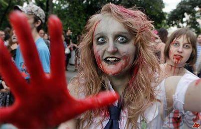 Житель Иркутской области зарезал подругу после недельного запоя, приняв её за зомби. Зомби