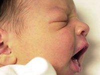 У ребенка из шеи выросло перо. 276994.jpeg