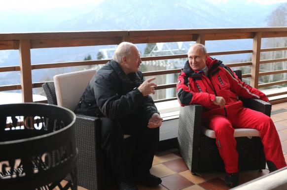 Лукашенко отказался ехать на Мюнхенскую конференцию из-за переговоров с Путиным.