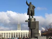 В уральском городке обрушился памятник Ленину