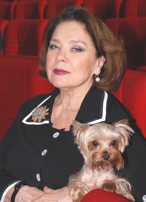 Почему российские звезды любят маленьких собак?