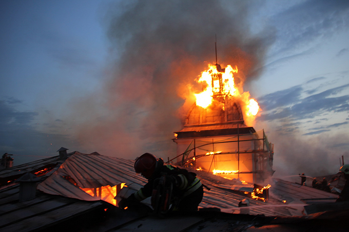 Пожар в Технологическом институте в Санкт-Петербурге