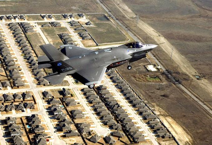 Истребители и буревестники Обамы: F-35