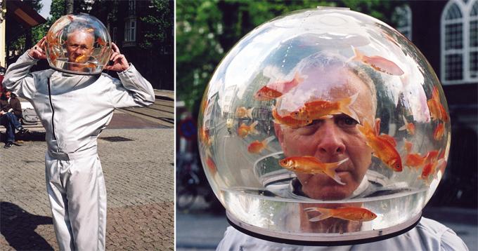 Пока живут на свете чудаки: голова в аквариуме