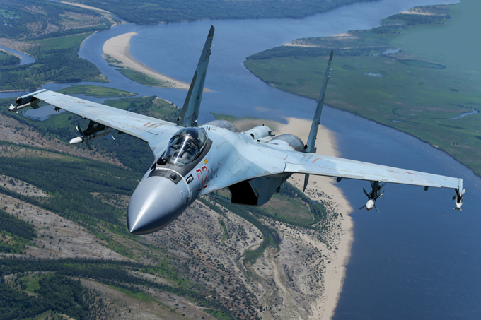 """В небе """"Су-35"""""""