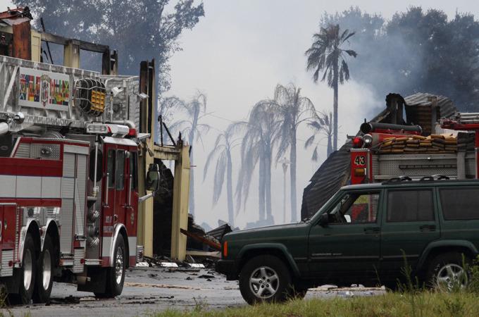 Во Флориде сгорел мотель, восемь пострадавших