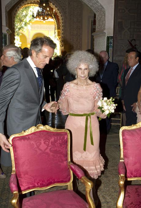 85-летняя герцогиня Альба в третий раз вышла замуж