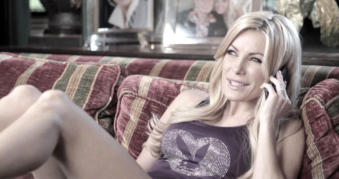Молодая невеста бросила основателя Playboy за 4 дня до свадьбы
