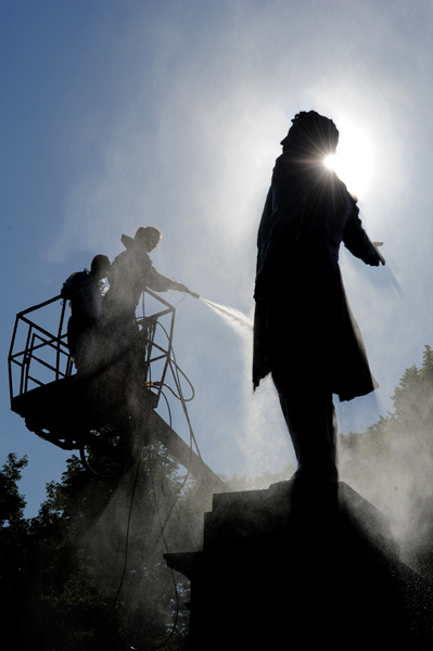 День рождения Пушкина отмечает вся Россия