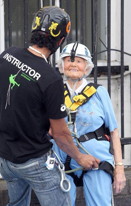 97-летняя альпинистка