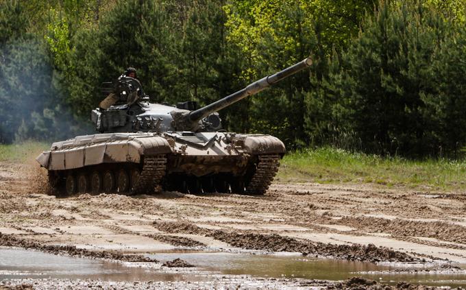 Украина грозит Крыму кулаком