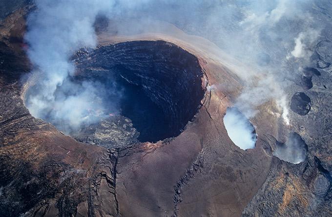 Танец богини Пеле на вершине вулкана